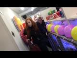 Девушки подрались в магазине обуви / Тот случай, когда за последнюю пару обуви, готовы убить прямо в магазине (2018)
