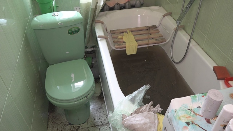 Коммунальщики показали, что вылавливают в канализации Камышлова