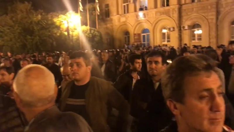 Оппозиция объявила акцию неповиновения и чрезвычайное положение в Абхазии
