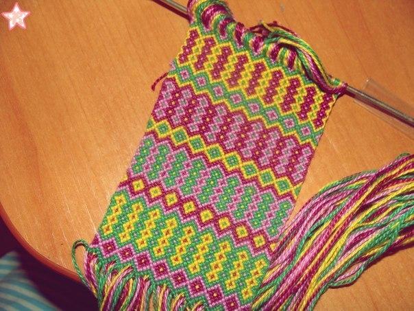 Бисер: схемы плетения фенечек