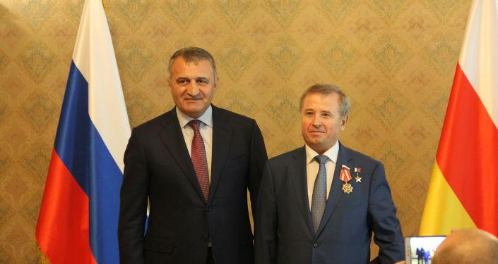 2 липецких летчика получили награды от Президента Южной Осетии — Изображение 2