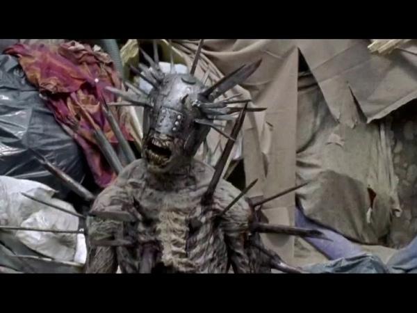 Битва Рика против монстра-ходячего(зомби) в доспехах. Ходячие Мертвецы - 7 сезон 10 серия
