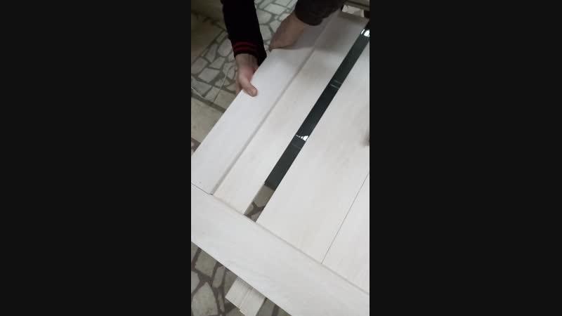 Замена треснутого стекла у межкомнатной двери