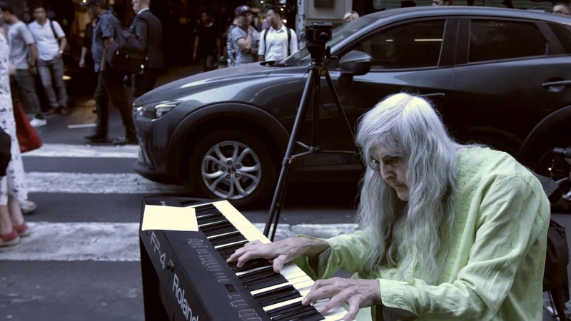Street Pianist Natalie Trayling Among the People