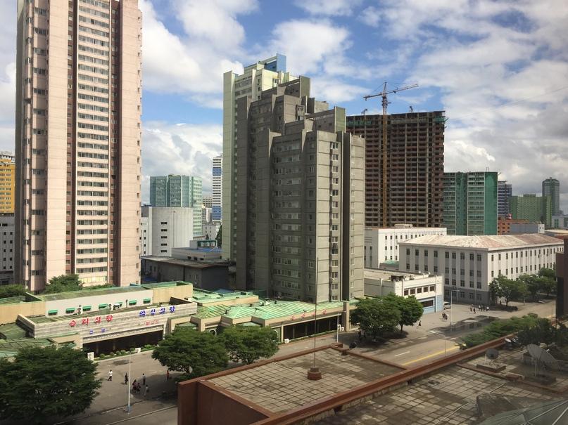 Отчет о путешествии в Северную Корею Вид из гостиницы
