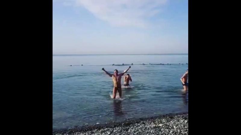 Последние зимние дни в Сочи, пора открывать купальный сезон