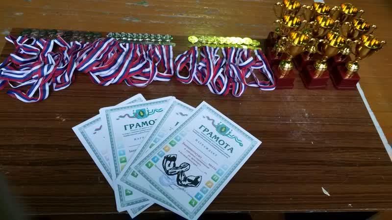 Открытые соревнования по армрестлингу,с.Бижбуляк 21 октября 2018.Один из самых ярких поединков юных рукоборцев.