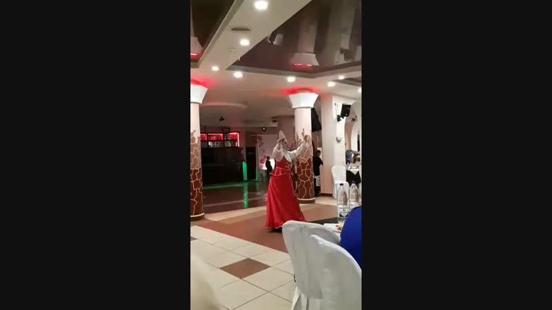 прекрасные переодевания с танцем