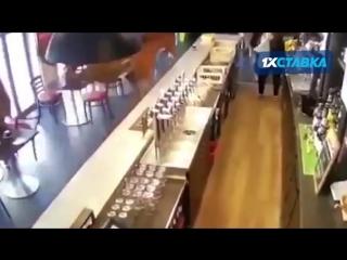 1xСтавка: Гол ЦСКА Реалу в одном из баров Москвы.