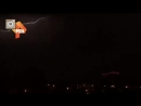 Видео небо над Москвой во время грозы озарили загадочные молнии