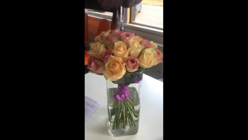 Цветы приносят наибольшую радость тогда,когда подарены не в День рождения и не накосячившим мужем,а просто так!