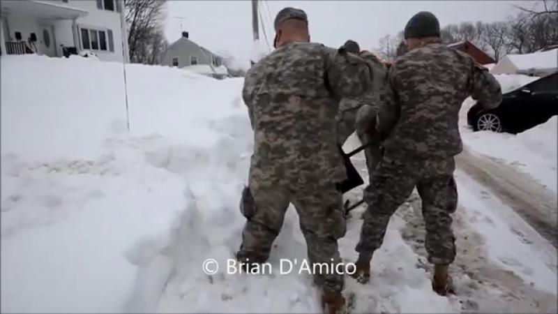 Армия всегда придет на помощь. Мощное зрелище