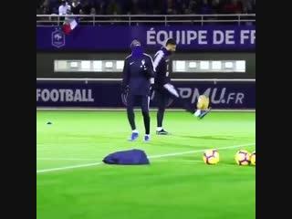 Прием мяча от Дембеле
