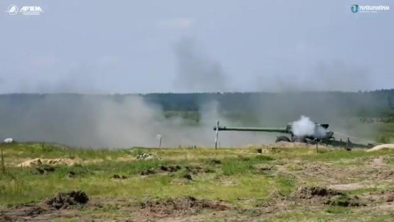 Порошенко похвастался 152-мм снарядами для «Гиацинта»
