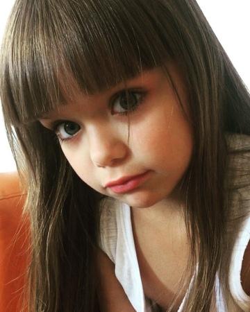 """Я очень ценю случайные встречи on Instagram Как можно отказать этим глазкам Не отпускает Настя @anna knyazeva official 😅 ❤️"""""""