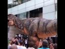 Динозавр огромный робот