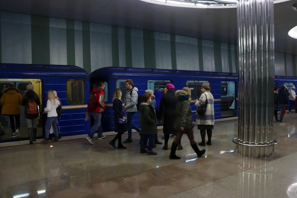 Пассажиры станции «Стрелка»