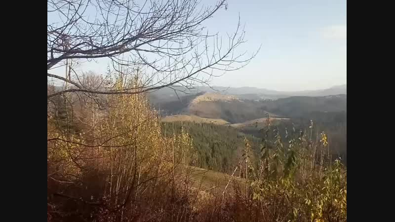 слева гора - Говерла, справа - Петрос)