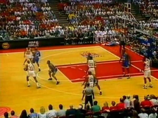 Clyde Drexler (25pts/13rebs/7asts) vs. Magic ('95 Finals, Game 3)