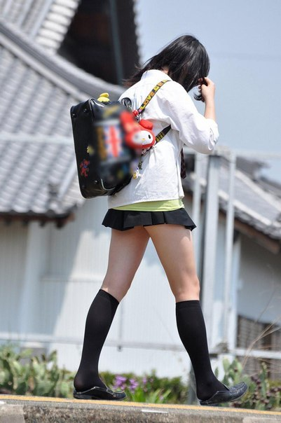 Под юбкой фото у японок