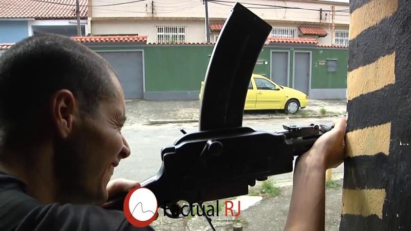 Fuzis dos Policias dão pane no meio do confronto