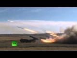 Российские военные отработали вопросы применения отдельных соединений и воинских частей ракетных войск и артиллерии, авиации и ПВО по уничтожению наземных группировок и отражению массированного ракетно-авиационного удара противника.