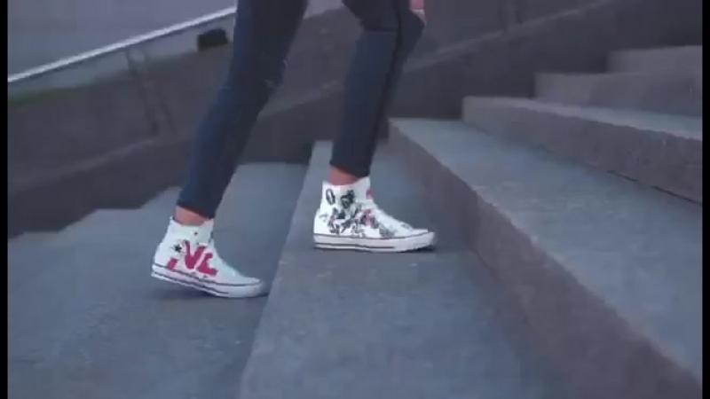 Звезды сошлись 🌟 Первый в истории NL модный тандем c легендарным обувным брендом 👟👟 ⠀ @ converse выпустили для нас лимитиро