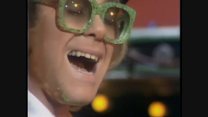 Elton John - Goodbye Yellow Brick Road 1972 (High Quality, Muppet Show 1977)