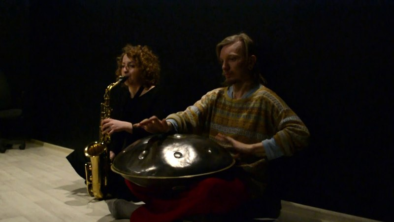 Saxophone and Hang. Viktoria Vear and Mir. Improv.3