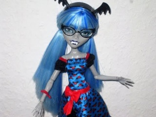Monster High ♥ Ghoulia Yelps / Draculaura ♥ Freaky Fusion ♥ 2014 Doll Review