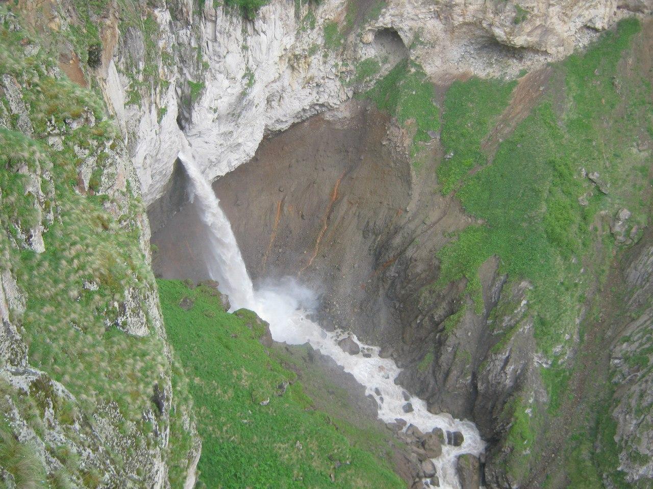 Второй водопад на Джилы Су