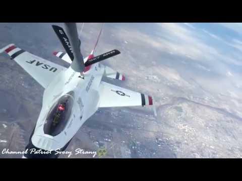 Команда летчиков из США Us Thunderbirds показывает супер высший пилотаж и шоу на F 16