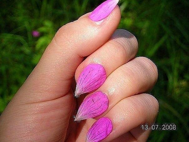 Ногти лепестки