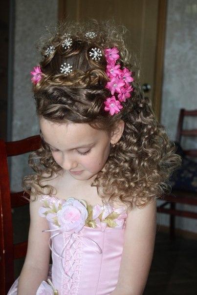 Школьные причёски на длинные волосы. Фото №6