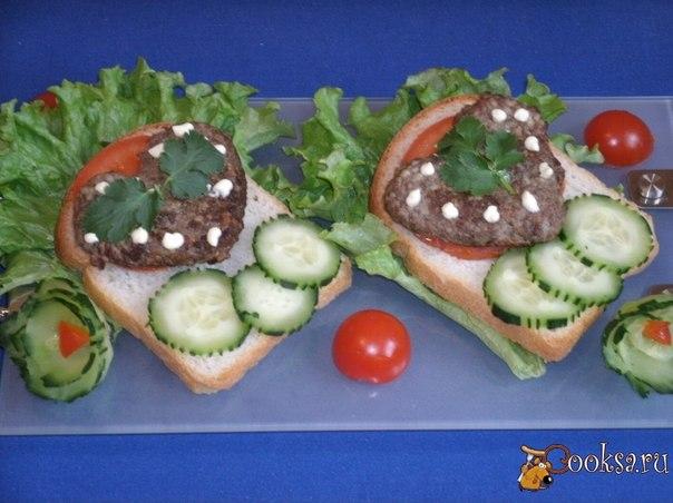 """Бутерброды """"Хорошее настроение"""" Посмотрела на Настин рецепт из куриной печени, вспомнила, что я тоже люблю куриные субпродукты: печень, желудочки. Такие бутерброды можно взять с собой на пикник."""