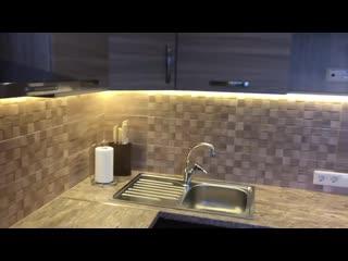 Кухня. Интересный древесный цвет.