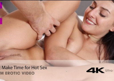 Makes Time For Hot Sex
