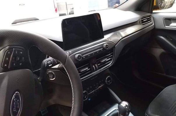 Раскрыта внешность нового хот-хэтча Ford Focus ST.