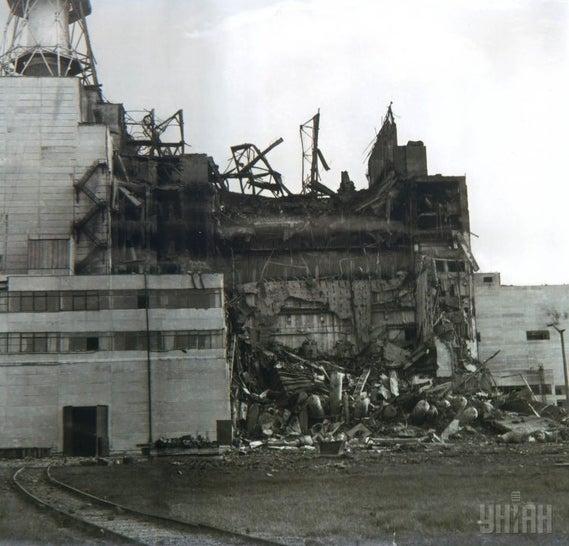 Первое опубликованное фото Чернобыльской катастрофы