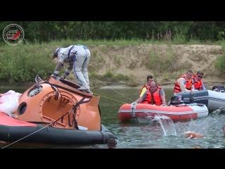 Тренировки по «водному выживанию» экипажа в составе Андрея Борисенко и Джессики Миер