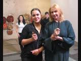 Талантливая художник и поэт Людмила Пигина делает уверенные шаги в освоении техники метания ножей