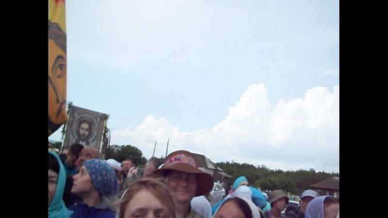 Крестный ход заходит в храм Коробейниково 30 июня суббота