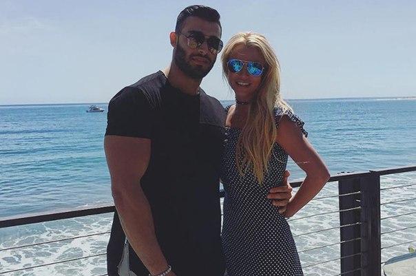 Возлюбленный Бритни Спирс Сэм Асгари признался ей в любви в Instagram