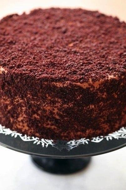 """Шоколадный торт """"Пеле"""" Ингредиенты: Для коржей: - 3 стакана сахара -"""
