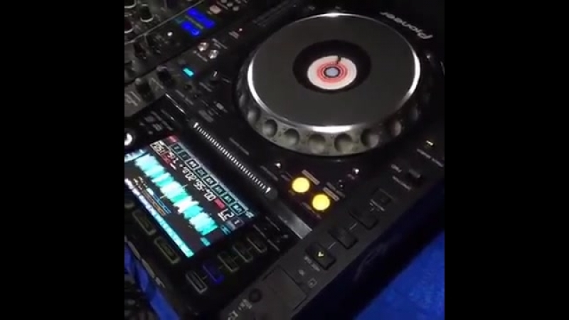 Rozz Mixing on 3CDJs - Master class live