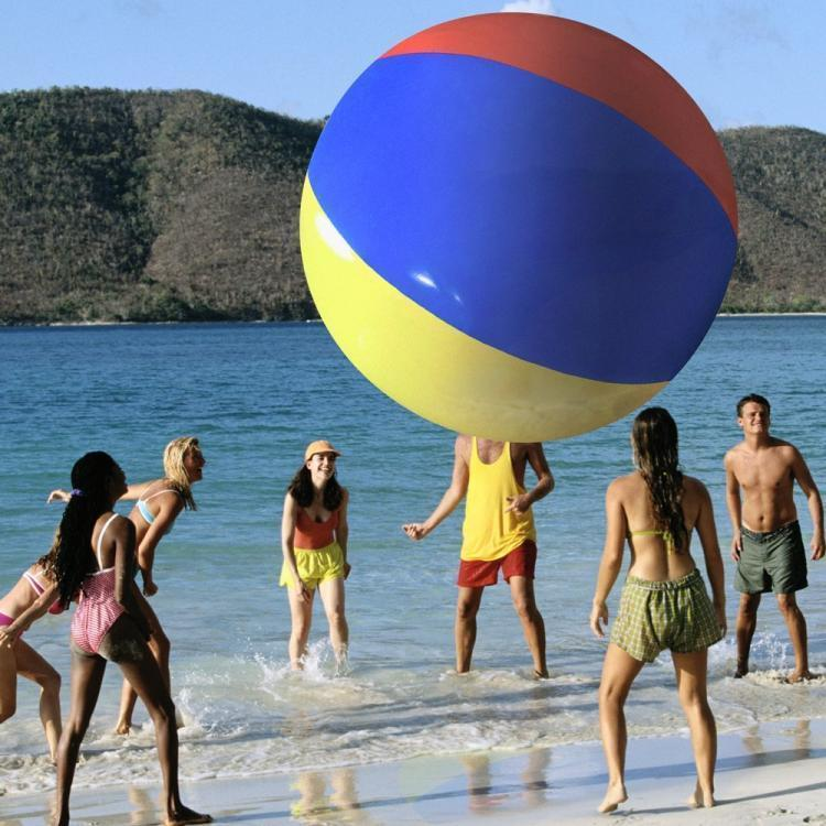Гигантский пляжный мяч