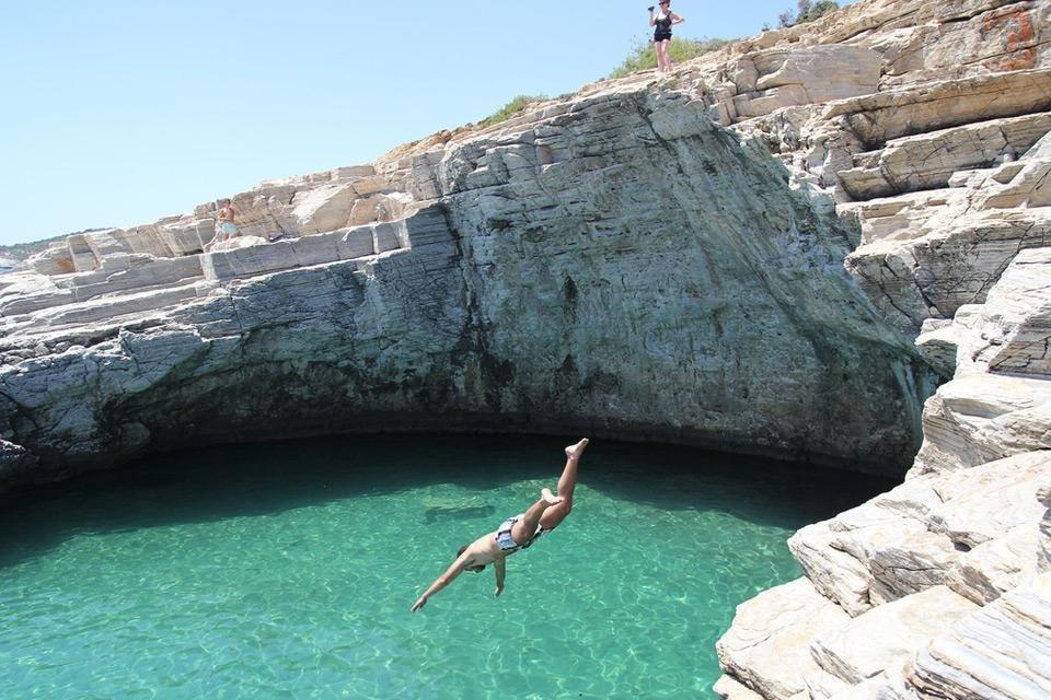 Прекрасная лагуна Гиола о. Тасос, Греция