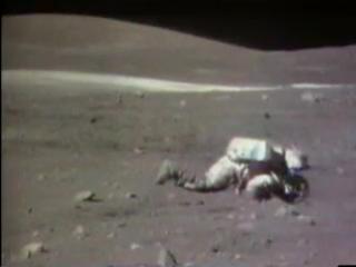 Как встать на ноги если упал на Луне?