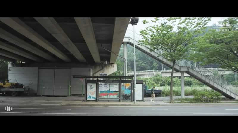 남준 - 22년 7월 13일 - 며칠 전 이곳 정류장에 내렸는데 그래피티가 그려져 있었다. 나도 모르게 주위를 둘러봤지만 태형의 모습은 보이지 않았다. 나는 정류