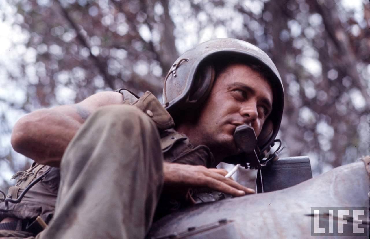 guerre du vietnam - Page 2 O1yya7aMkng